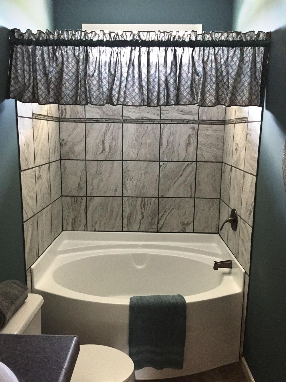 Garden Bathtub With Shower